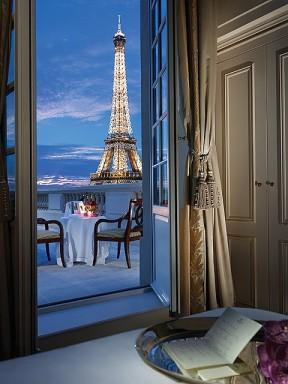 Shangri La Hotel in Paris