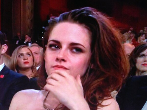 Kristen Stewart at Oscars with runny makeup