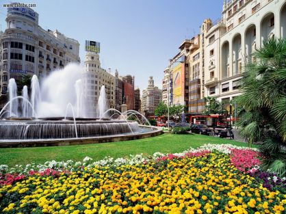 Valencia Spain is a great destination for a first time long term traveler